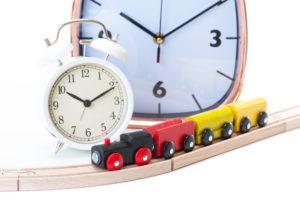 矯正期間は平均どのくらい?治療法別の目安や早まるケースや遅くなるケースについて