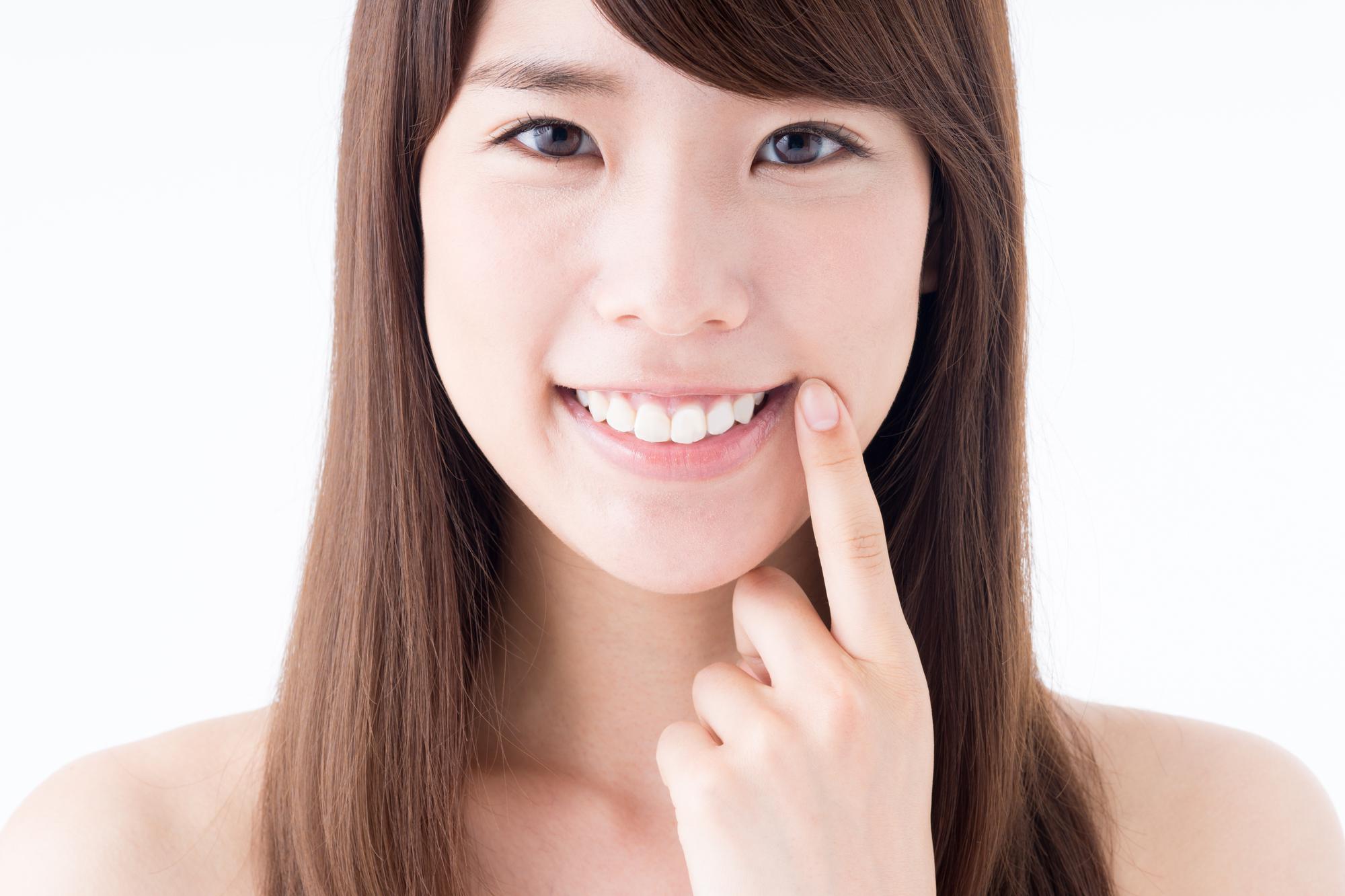 日本人の歯並びに対する意識や関心は?目立たない矯正器具も登場している!