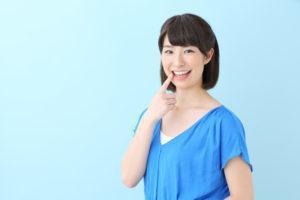 矯正ではなぜ健康歯を抜歯する?その理由や非抜歯の矯正法について