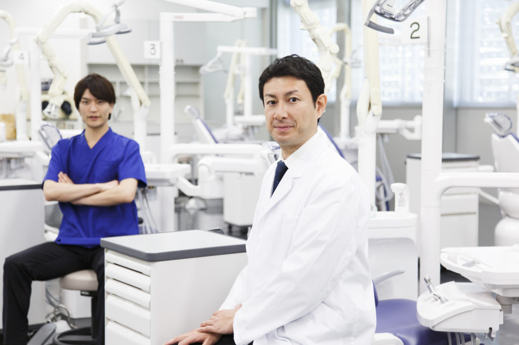 専門医の資格を持つ歯科医師のイメージ写真